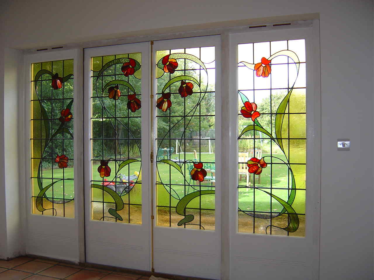 Window glass painting designs for home for Window glass design in kerala